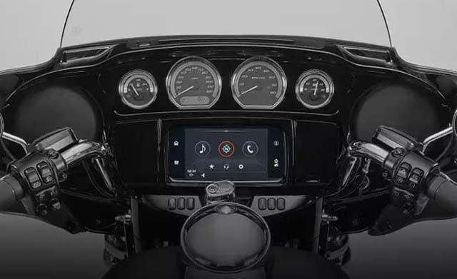 Harley Davidson FXDR 114 Dashboard
