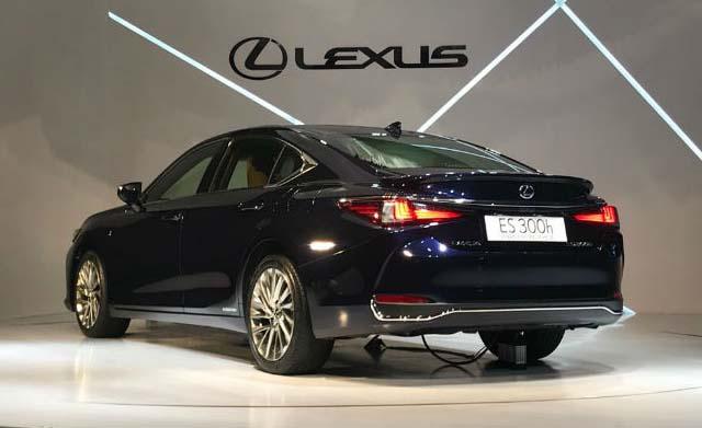 lexus es300h unveiled 04