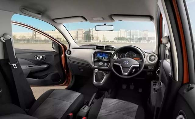 2018 Datsun GO revealed Dashboard