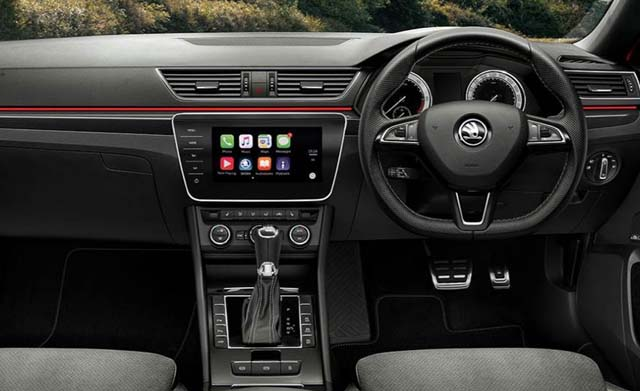 Skoda Superb Sportline Dashboard