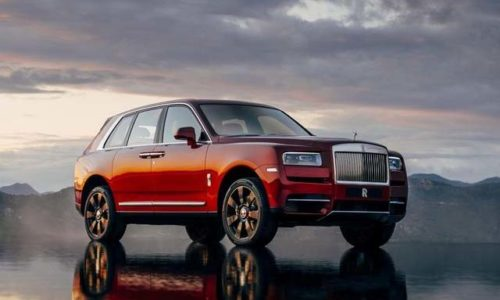 2018 Rolls Royce Cullinan Front Side Photos