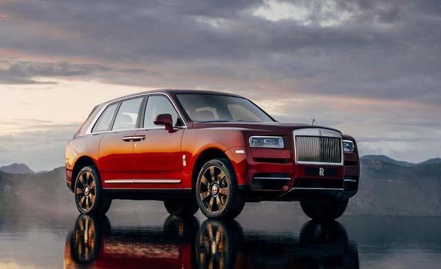 2018 Rolls Royce Cullinan Front Side Photos