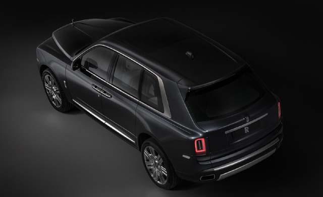 2018 Rolls Royce Cullinan Car Side View Photos