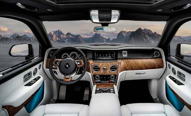 2018 Rolls Royce Cullinan Car Photos Dashboard 2