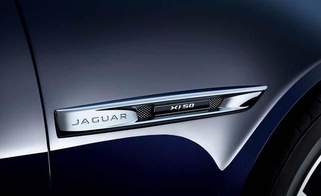Jaguar XJ50 features